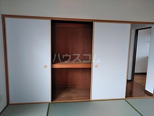 コーポラスエルピス 302号室の収納