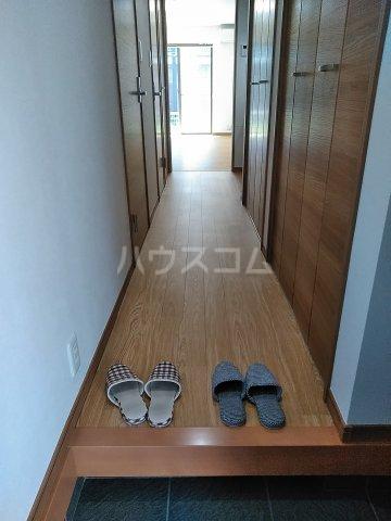 MKハイツ 202号室の玄関