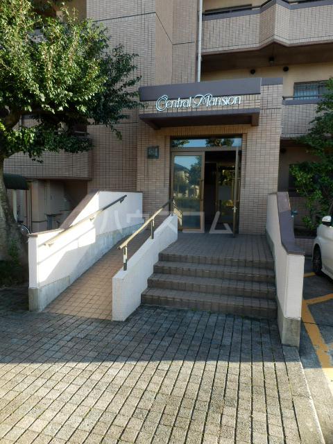 大宮セントラルマンション 304号室のエントランス
