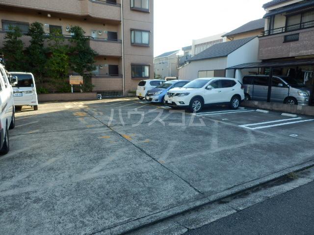 大宮セントラルマンション 304号室の駐車場