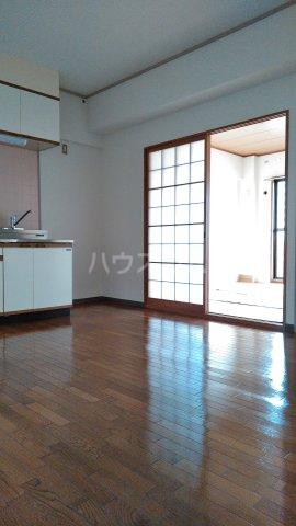 大宮セントラルマンション 304号室のリビング
