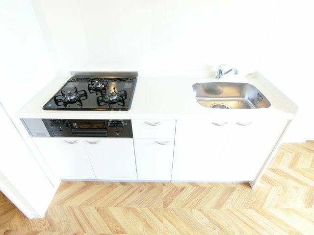 コーポレーションT&T C201号室のキッチン