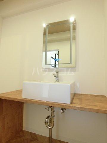 コーポレーションT&T C201号室の洗面所