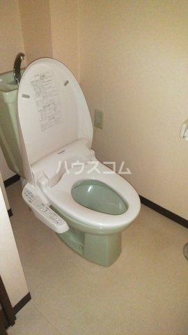 ドルフヤマノウチB 303号室の洗面所