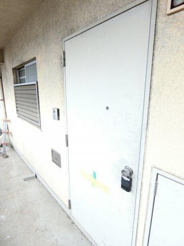 インフィール茜部 3B号室の玄関