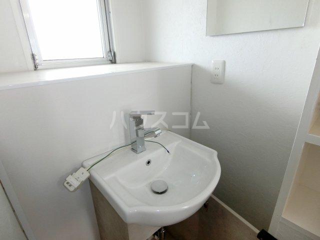 インフィール茜部 3B号室の洗面所