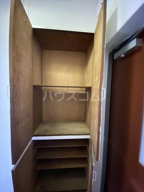 南浦和クイーンコーポB棟 301号室の収納