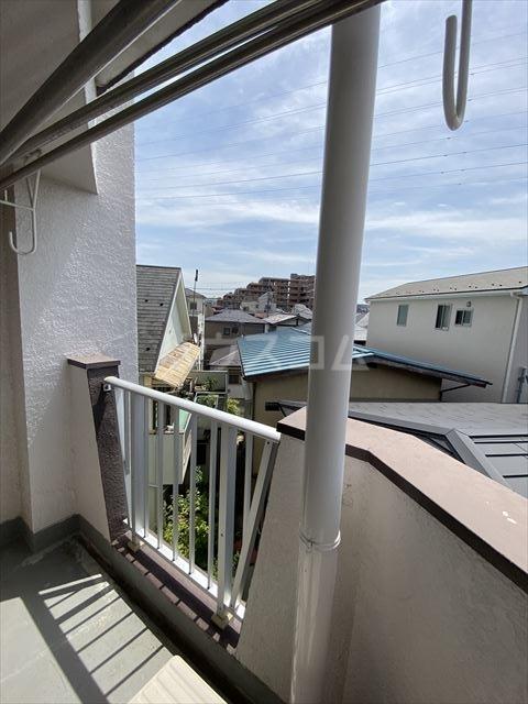 南浦和クイーンコーポB棟 301号室のバルコニー