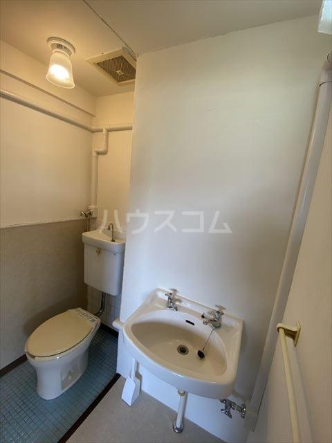 南浦和クイーンコーポB棟 301号室のトイレ