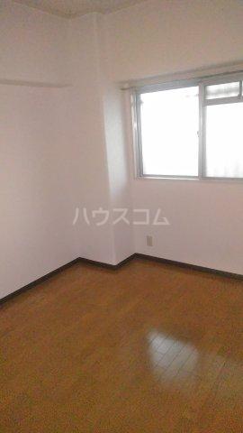 パラシオンANDO 705号室の居室