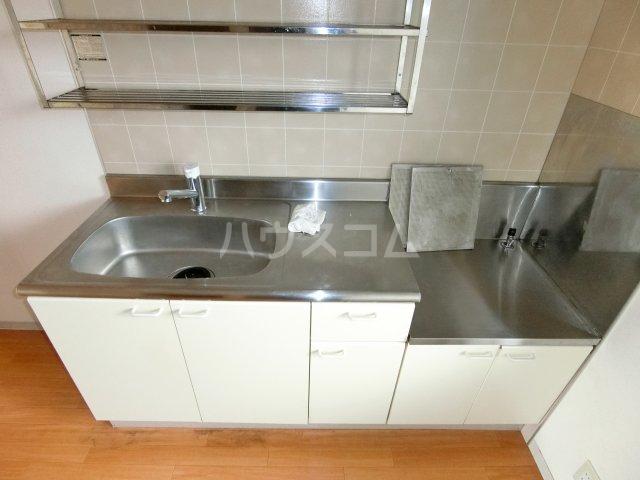 ラ プランタンB 202号室のキッチン