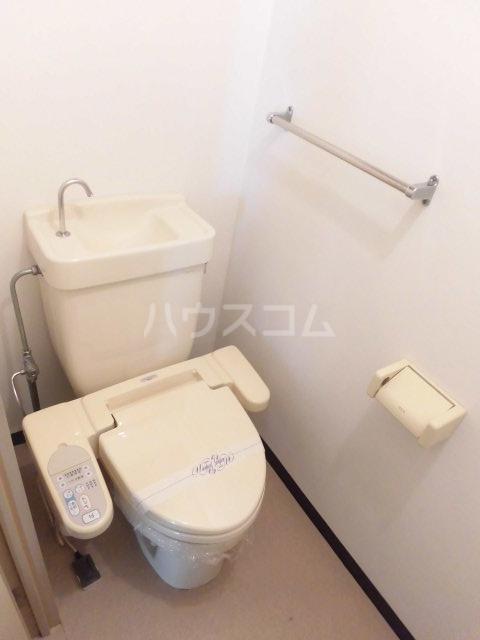 第73プレジデント吉敷 302号室のトイレ