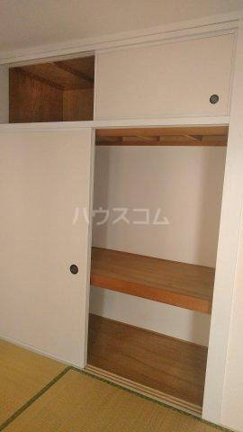 パレ岩戸 402号室の居室