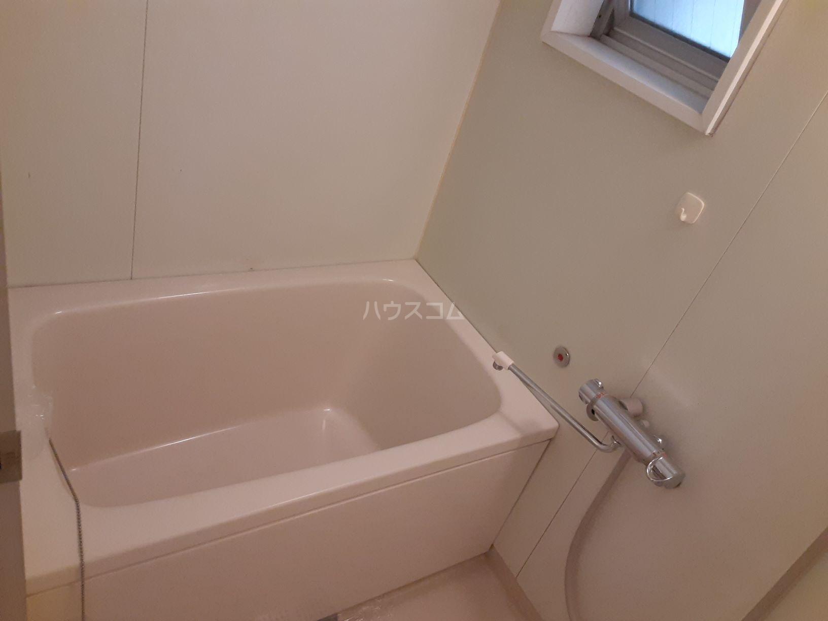 パレ岩戸 402号室の風呂