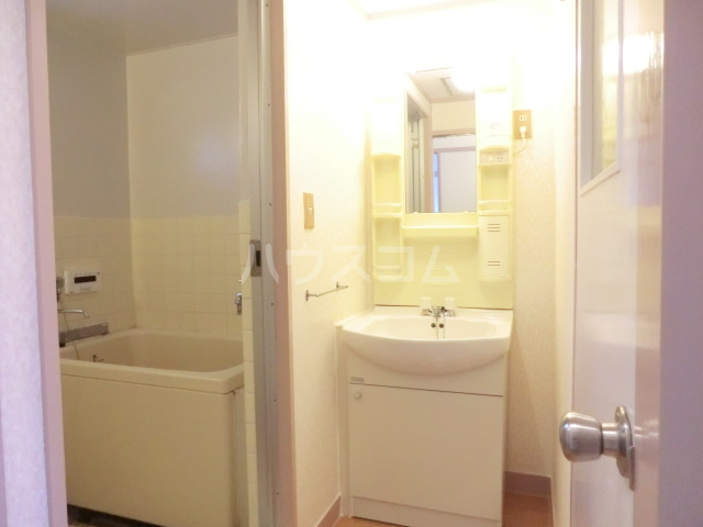 第1武笠ビル 203号室の洗面所