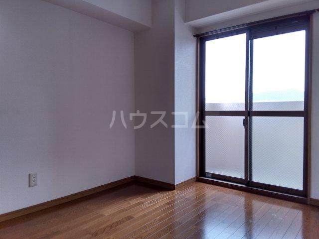ア・ドリーム鷺山 302号室の居室