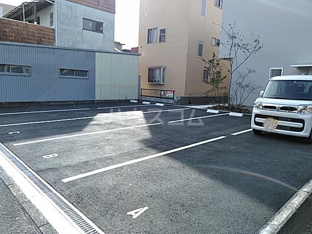 DOORS沼津錦町 Cの駐車場