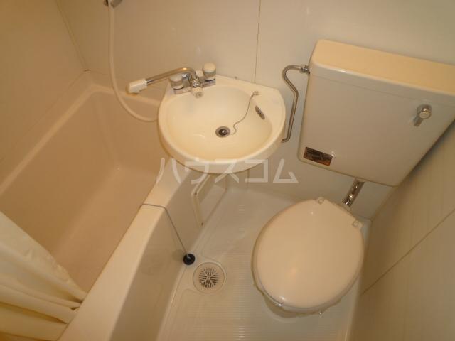 スカイアルファ井上 508号室の風呂
