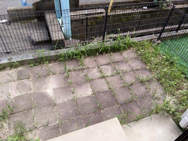 シャルマン・Vivreの庭