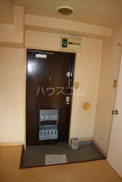 レジデンス清水 301号室の玄関
