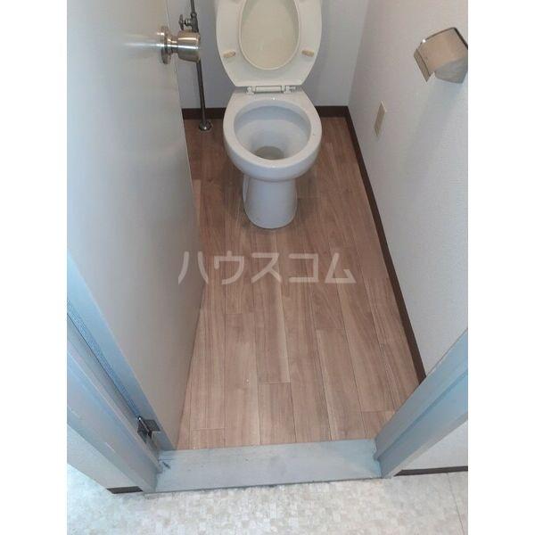 高橋ビル 303号室のトイレ