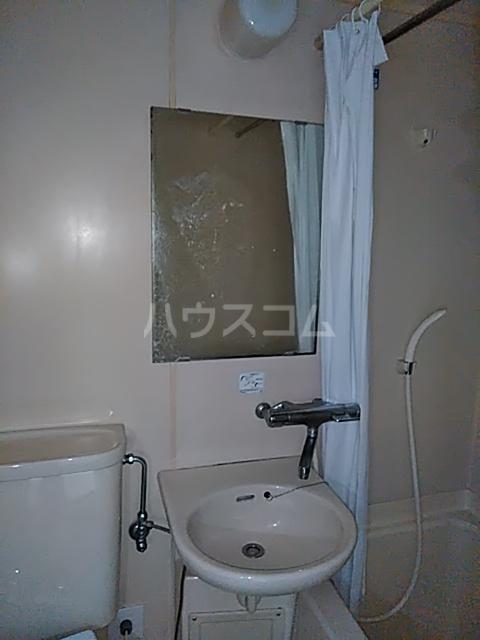 シャルム中村 103号室の洗面所