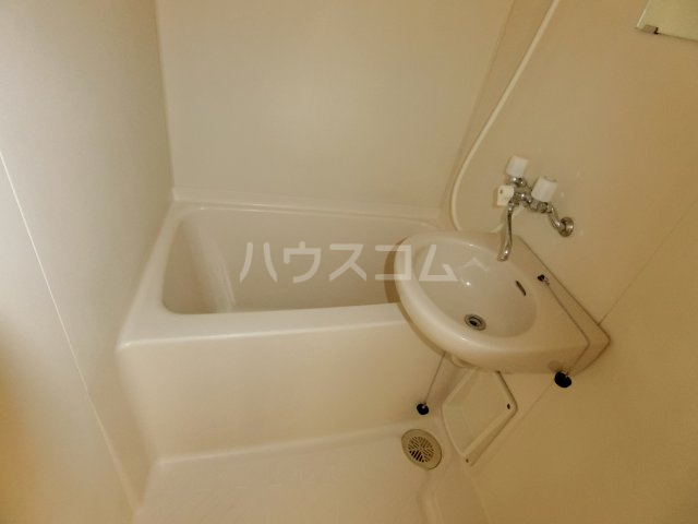 松倉ビル 3-A号室の風呂