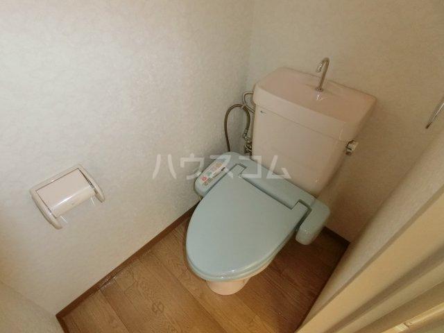 松倉ビル 3-A号室のトイレ