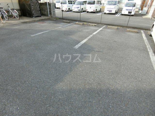 TKビル 3D号室の駐車場