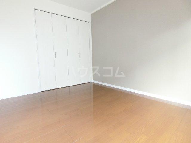 ブリリアントヒルズ西中島 201号室の居室