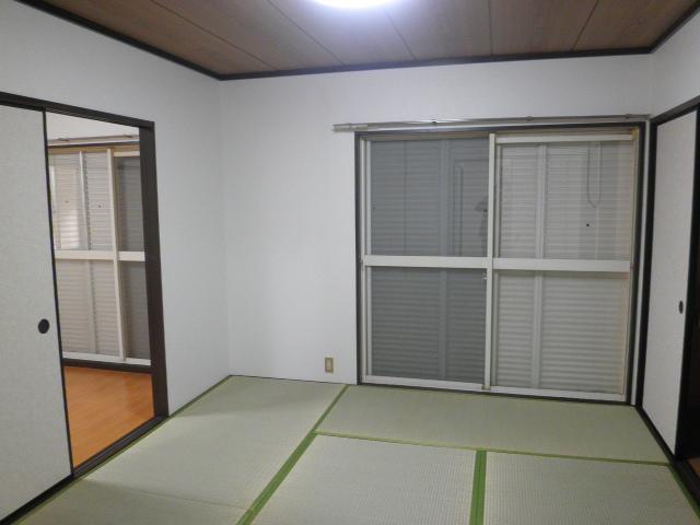エステート阿倉川 A棟 202号室の居室