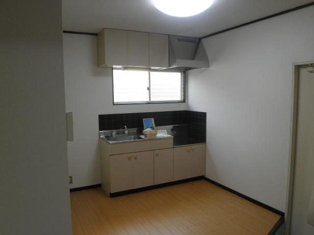 エステート阿倉川 A棟 202号室のリビング