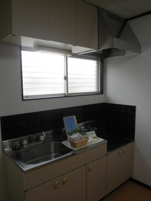 エステート阿倉川 A棟 202号室のキッチン