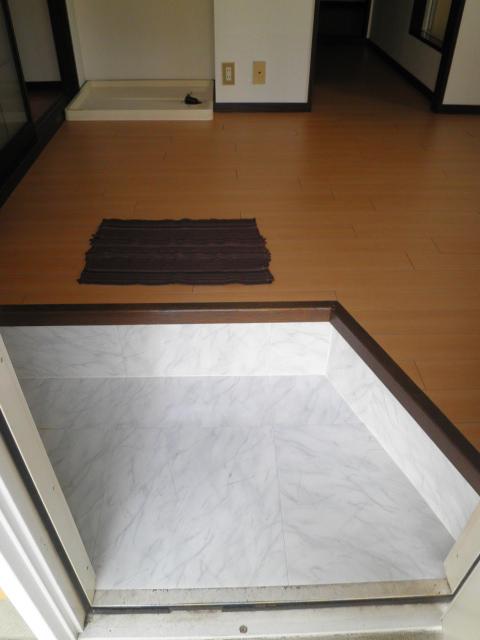 エステート阿倉川 A棟 202号室のベッドルーム