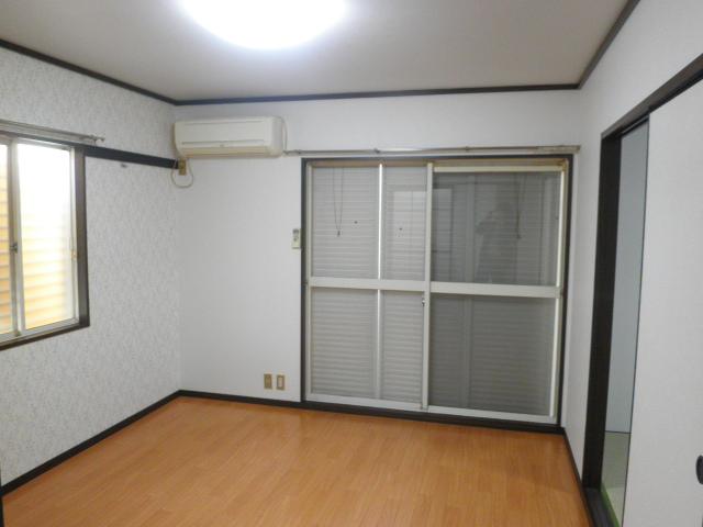 エステート阿倉川 A棟 202号室の洗面所