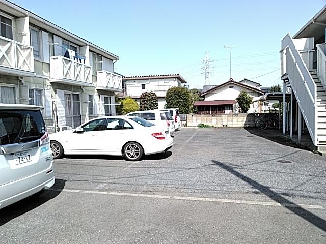 堀の内コーポ B 201号室の駐車場