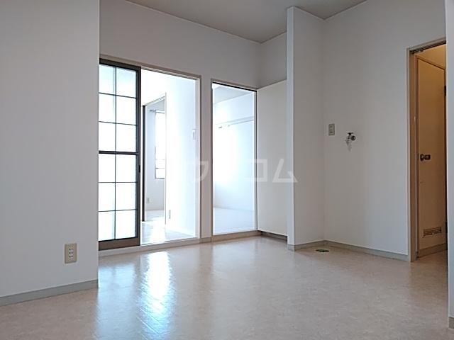 堀の内コーポ B 201号室のリビング