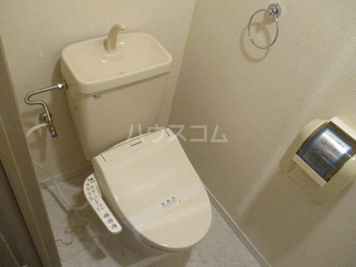 ロイヤルガーデン杉山 105号室のトイレ