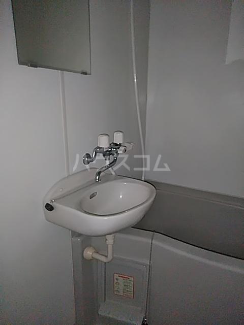 レオパレスむっく 101号室の洗面所
