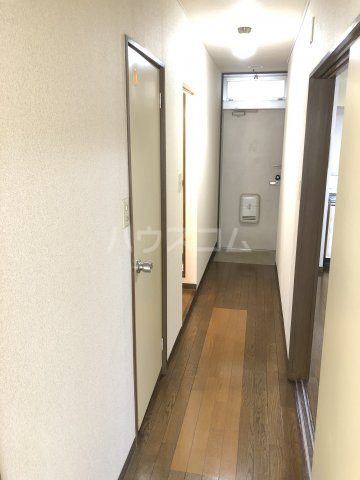 リバティアージュ 205号室の玄関