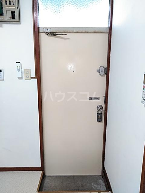 コーポヨコタ 0102号室の玄関