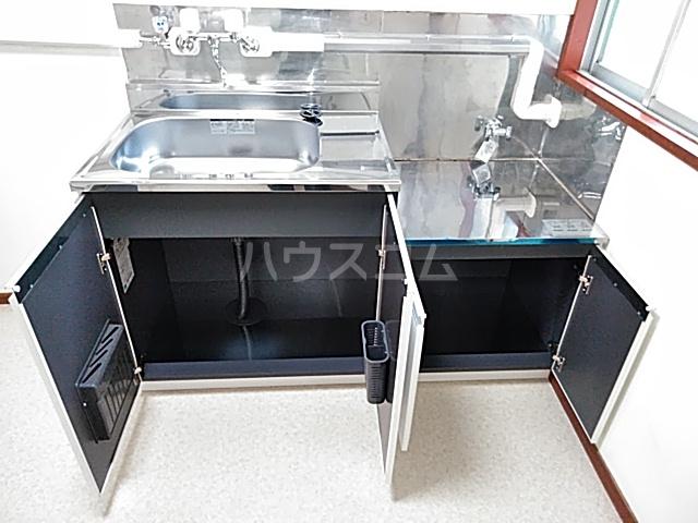 コーポヨコタ 0102号室のキッチン