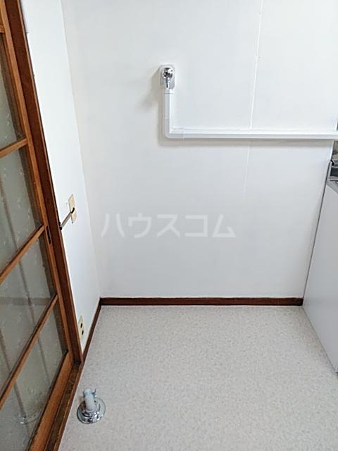 コーポヨコタ 0102号室の洗面所