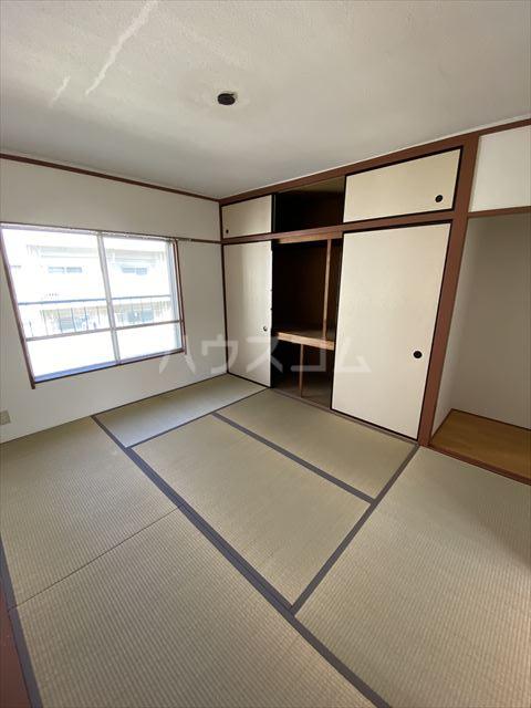 KSマンション 402号室の居室