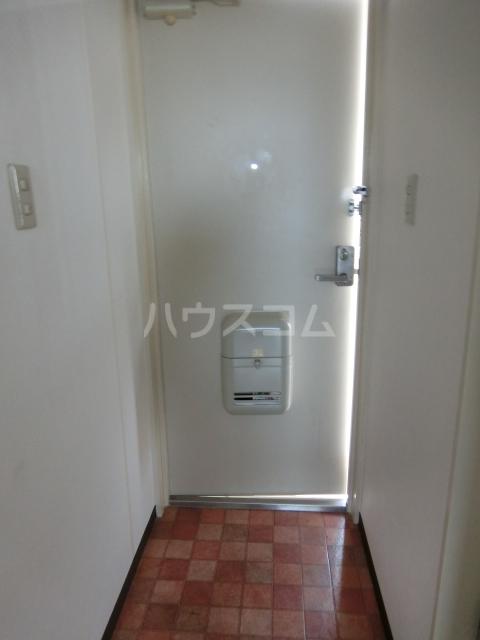 ニュースパークル 3R号室の玄関