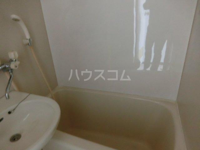 ニュースパークル 3R号室の風呂