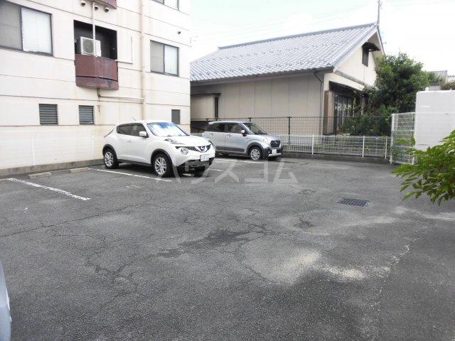 ナビハイツ朝日町 605号室の駐車場