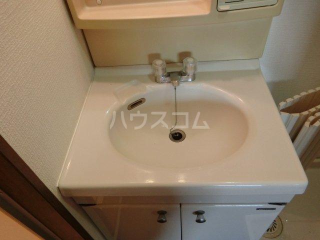 コンフォート楠 107号室の洗面所