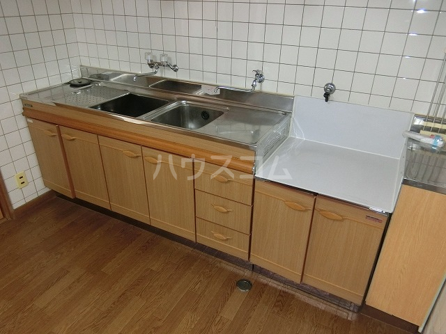 糸与ビル 206号室のキッチン