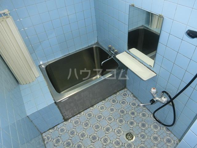 糸与ビル 206号室の風呂